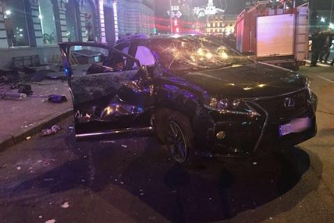 Джип врезался в толпу пешеходов после ДТП в Харькове