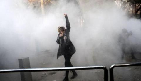 Протестующие в Иране почему …