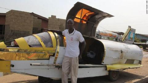 Нигериец собрал из мусора автомобиль-амфибию