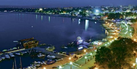 Жить на курорте: как меняется самый застраиваемый город на Черном море