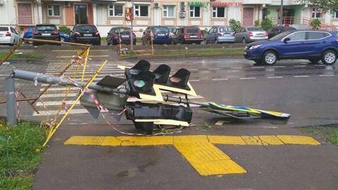 В интернет попали тысячи фотографий жуткого урагана в Москве