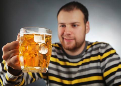 Пьющий мужчина — горе в семье?