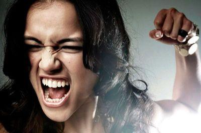 Агрессивные женщины