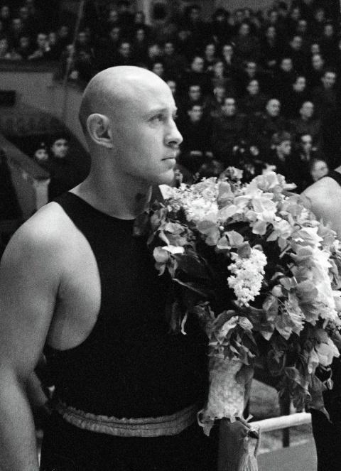 Король бокса и солдат Отечества