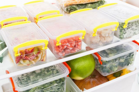 Вот какие блюда можно приготовить за три недели до Нового года и убрать в морозилку