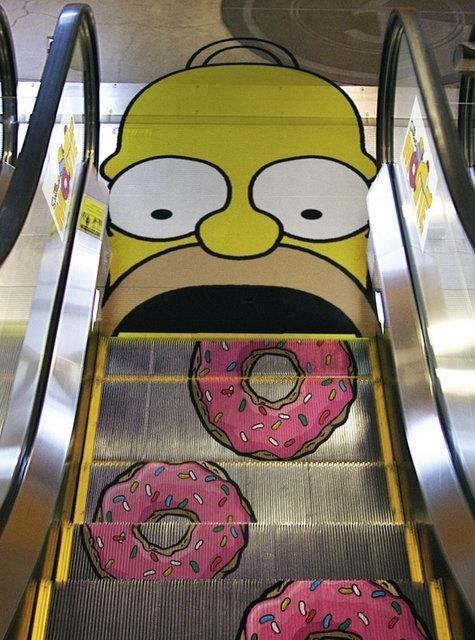 Гомер стал эскалатором:-)