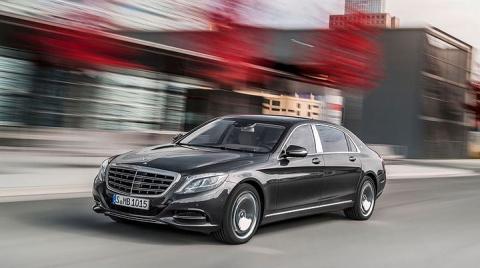 Россияне покупают по 100 роскошных машин в месяц