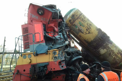 Маневровый поезд столкнулся с грузовым в Вологде