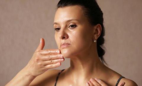 Побалуйте кожу лица этой процедурой