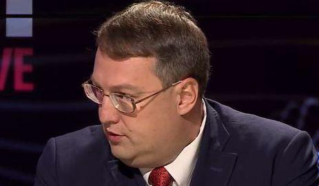 Зачем Геращенко 5 раз перепридумывал историю Паршова?