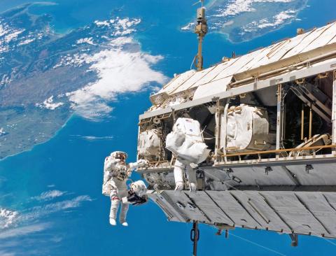 На Земле начинается битва за космические ресурсы