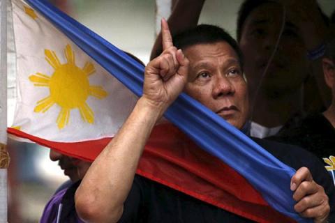 Президент Филиппин разразилс…