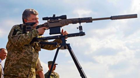 Порошенко побряцал оружием на границе с Крымом