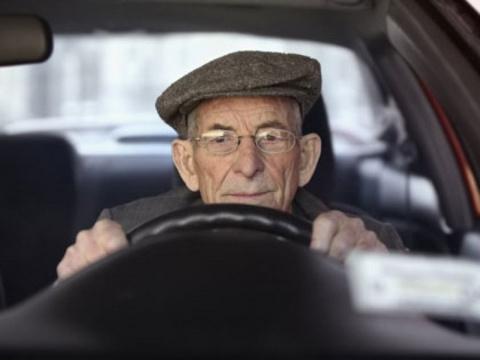 Пенсионеры-водители стали ча…