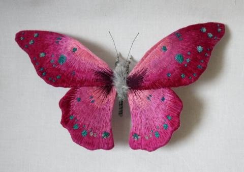 Реалистичные скульптуры в виде прекрасных бабочек