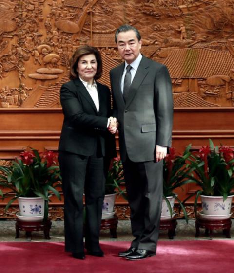 МИД КНР: Китай поможет в вос…
