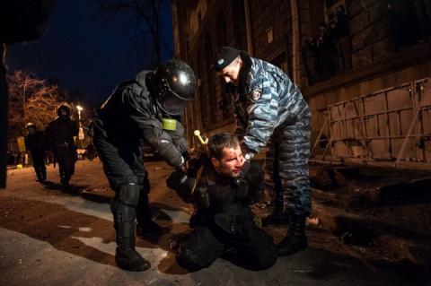 Это вам не «кровавый Янукович». «Русские» силовики Авакова растоптали «онижедетей» в центре Киева