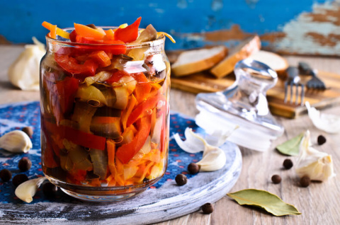 Салат из маринованных овощей на зиму по-итальянски