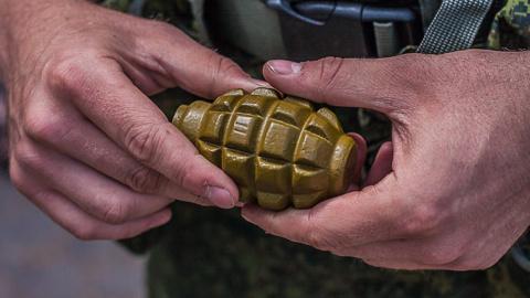 Украинский военный погиб, устроив «игрища» с гранатой, трое ранены 