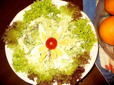 Салат  с салатным листом и  яйцом. Фото-рецепт. Olga Dell