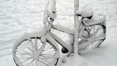 Из-за сильных снегопадов в С…