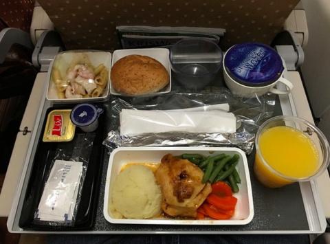 Еда в самолетах. Отличие биз…