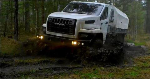 Грузовики УРАЛ Гордость Российского автопрома (6 фото + 1 видео)