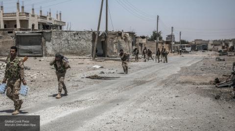 Сирия: Российские ВКС уничтожили десятки террористов и технику боевиков в Дейр-эз-Зоре