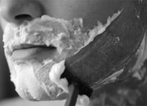 5 странных смертей от… бритья.