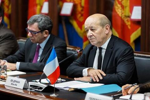 Франция обвинила Россию в пр…
