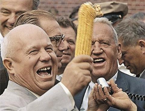 Хрущёва отстранили от власти за то, что он, по сути, довёл страну до ручки...