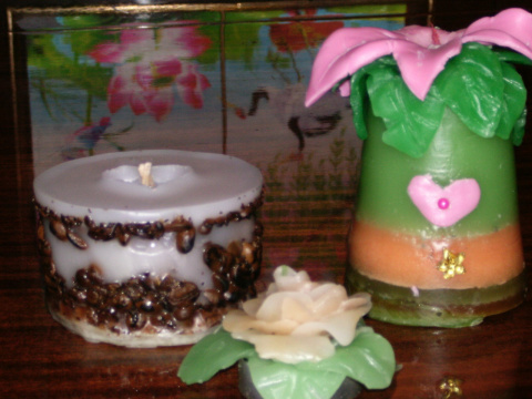 Ароматизированные свечи ручной работы.