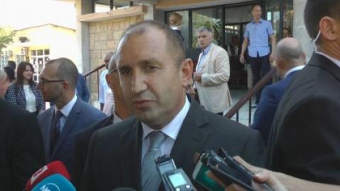 Кто ещё не плюнул в пиндосов?! Президент Болгарии осадил посла США: Не вмешивайтесь в наши дела!!!