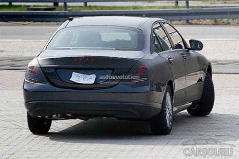 Новый Mercedes C-Class попал в объектив фотошпиона