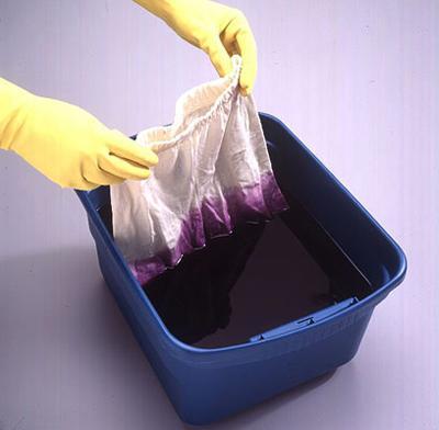 Как покрасить ткань в домашн…