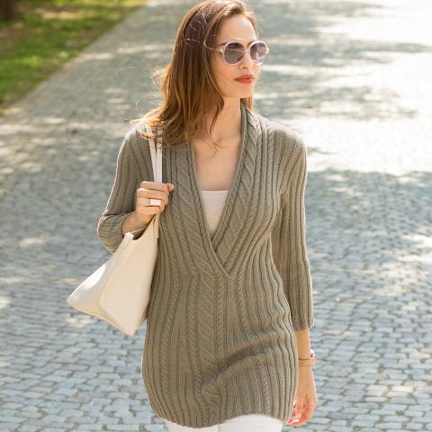 Удлиненный пуловер с «косами»