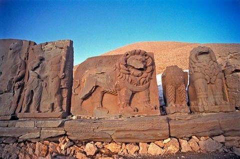 Немруд-Даг – величественный памятник древности