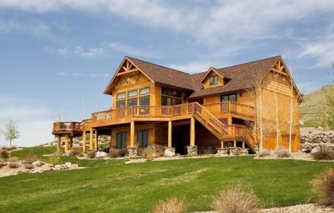 Деревянные дома: комментарии эксперта к разным стилям