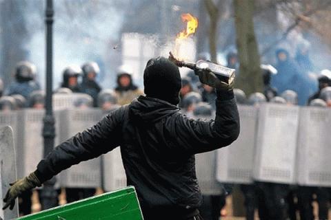 Как диванные войска запада манипулируют правдой : на примере  Украины