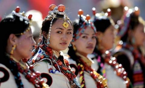Один муж хорошо, а несколько — лучше: древняя традиция многомужества в Тибете