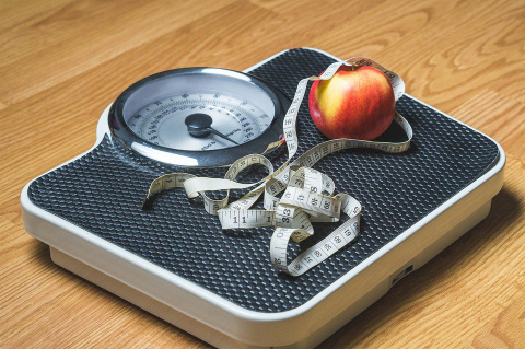 Стресс мужчины может привести к ожирению его супруги