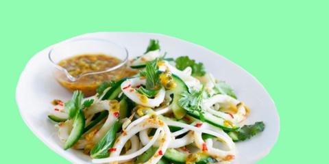 14 простых и очень вкусных салатов с кальмарами