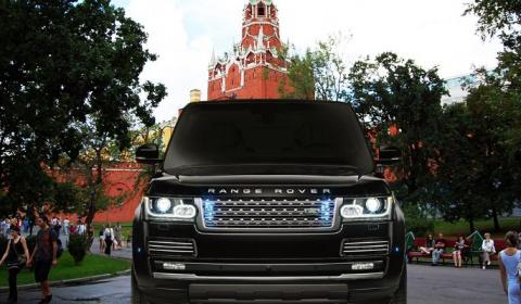 Range Rover прокатился по Ал…