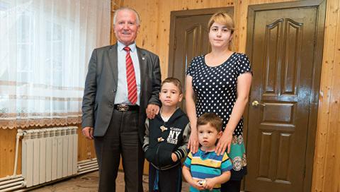 Семья из Таджикистана назвал…