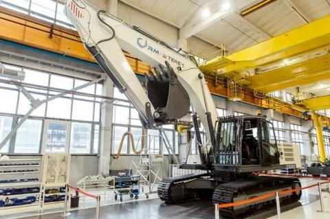 Тверской экскаваторный завод начинает серийный выпуск тяжелых гусеничных экскаваторов