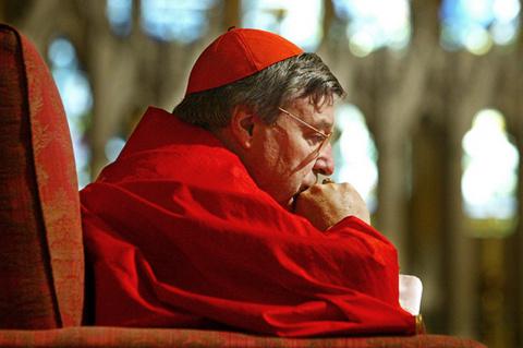 Страх и ненависть в Ватикане. Третье лицо Святого Престола обвинили в растлении малолетних