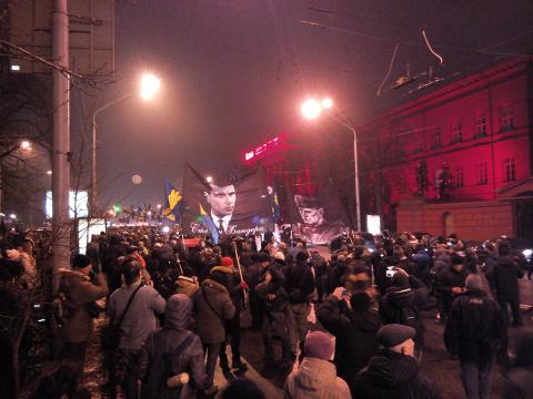Каким увиделся Киев и киевляне. Народ устал, раздавлен и предан. Они думали, что нужны всем...