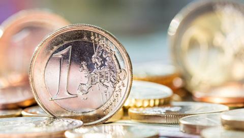 Евро первысил 65 руб. впервы…