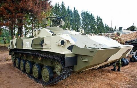 ВДВ РФ приняли на вооружение новейшие разведывательные химические машины РХМ-5М