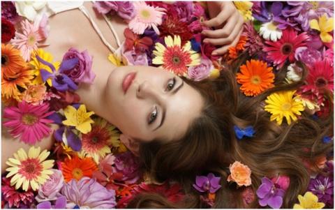 Топ-5 полезных цветов в косметологии